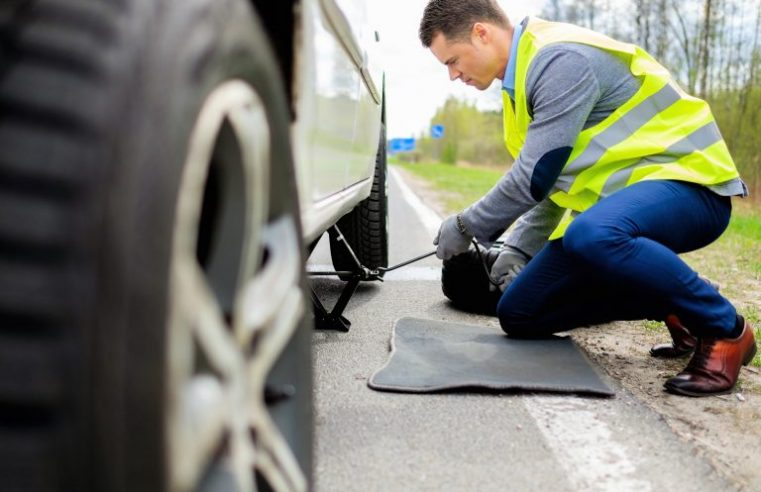 Get Great Roadside Assistance from a Qualified Diesel Mechanic