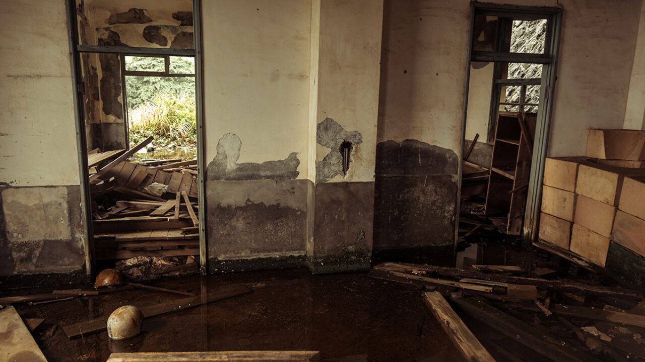 Choosing Emergency Restoration Services for Various Types of Water Damage